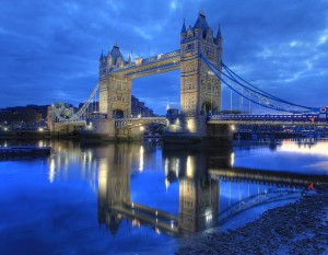 Londres, la luz de las democracias inclusivas. London Bridge, by Anirudh Koul, vía Flickr